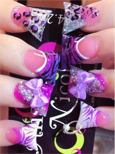 These duck feet nails are too wide for my liking. Duck Tip Nails, Duck Feet Nails, Cute Nail Designs, Acrylic Nail Designs, Acrylic Nails, Flare Nails, Super Cute Nails, Pretty Nails, Crazy Nails