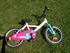 #Location Vélo enfants 16 pouces rose et bleu. Vélo enfant 14 pouces, bleu, avec possibilité de roulettes. A louer exclusivement sur www.placedelaloc.com !