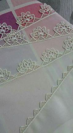 ~ Pin by Lieselotte Lina on Needle lace Crochet Lace Edging, Filet Crochet, Crochet Flowers, Knit Crochet, Needle Lace, Needle And Thread, Baby Knitting Patterns, Point Lace, Crochet Edgings