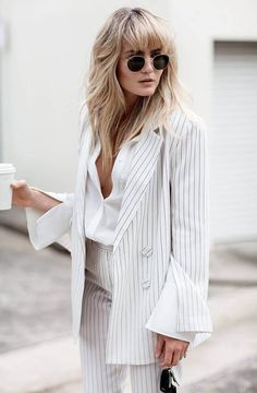 Girl Next Door Fashion. Want To Be More Stylish? Do you buy fashion magazines just to salivate over the clothing? You may be a fashionista. Moda Fashion, Womens Fashion, Fashion Trends, Fashion Bloggers, Fashion Mode, Fashion 2017, Fashion Boots, Trendy Fashion, Fashion Outfits