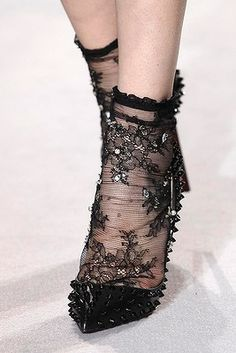 Australian Designer, Collette Dinnigan Fashion Show in Paris Ready to Wear Collection Fashion Socks, Knit Fashion, Emo Fashion, Couture Fashion, Fashion Show, Fashion Trends, Ugly Shoes, Sock Shoes, Australian Clothing