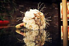 great gatsby wedding inspiration:  Instead of gold, hydrangea in silver