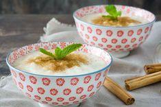Damla sakızlı sütlaç tarifi ile geleneklerimizin en sevilen tatlısına tat katıyor, onu tarçınla süsleyip başımıza taç ediyoruz.