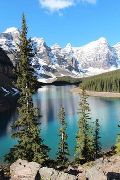 6 most beautiful lakes in Banff NP, Alberta, Canada. Lake Moraine- Map of Joy