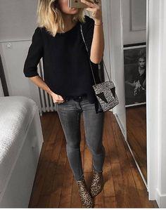 Black chunky cardigan, black t-shirt, black skinnies, leopard boots