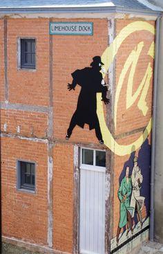 "quando l'art street incontra il fumetto (belga): la Marque Jaune di ""Blake et… Black Et Mortimer, Illustration Art, Illustrations, Street Art Graffiti, Land Art, Medium Art, Urban Art, Lovers Art, Art Images"