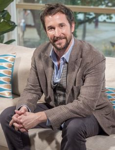The Librarians executive producer Noah Wyle has signed a deal to reprise his role as Flynn Carsen on the TNT action adventure series' upcoming third season. He will appear in 7 of the 10 epis… John Kim, John Larroquette, Flynn Carsen, Ezekiel Jones, Lindy Booth, Noah Wyle, Timothy Hutton, Falling Skies, Biological Parents