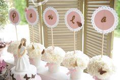 Mesa de dulces, comunión de Paula