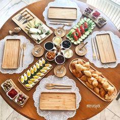 Foods To Incorporate Within A Diabetic Diet - My Website Breakfast Buffet Table, Breakfast Table Setting, Breakfast Platter, Breakfast Presentation, Food Presentation, Plat Vegan, Turkish Breakfast, Food Decoration, Table Decorations