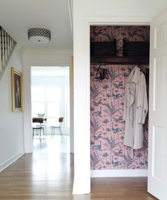 Bold coral House of Hackney wallpaper in the hallway closet / Everyday Glam In The Fabulous Home of Kyla Herbes love the black shelving too Funky Wallpaper, Wallpaper In Hallway, Closet Wallpaper, Feature Wallpaper, Wallpaper Wallpapers, Hallway Closet, Bathroom Closet, Master Closet, Rustic Home Interiors