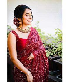 Maroon Saree, Red Saree, Saree Look, Saree Blouse, Black Lehenga, Satin Saree, Indian Bridal Outfits, Indian Designer Outfits, Half Saree Designs