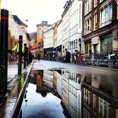 De prachtige stad Kopenhagen vastgelegd in waterplassen | NSMBL.nl