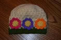 Baby Spring Flowers Hat pattern by Mary Hodges ~ free pattern