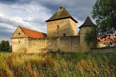 Kestřany Prague, Manor Houses, Palaces, Czech Republic, Medieval, Trips, Castle, House Styles, Outdoor