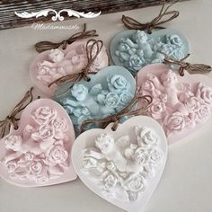 1 million+ Stunning Free Images to Use Anywhere Christmas Hearts, Christmas Balls, Wax Tablet, Soap Wedding Favors, Homemade Art, Free To Use Images, Shabby Chic Christmas, Clay Ornaments, Soap Packaging