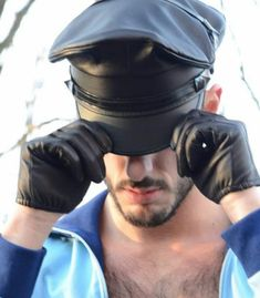 Men's Leather Gloves are a classic and fashionable item worn by all men, riding their motorcycles or wanting to appear stylish and elegant during the colder months of the year. Leather Driving Gloves, Black Leather Gloves, Leather Hats, Leather Fashion, Real Leather, Leather Men, Leather Jackets, Soft Leather, Mens Attire