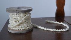 Sznur, sznurek z koralikami- kremowy