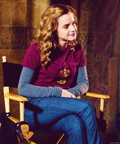 Hermione in her Gryffindor tee (I want that shirt!)
