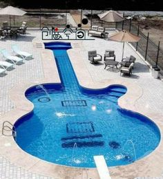Guitar pool, LOVE it