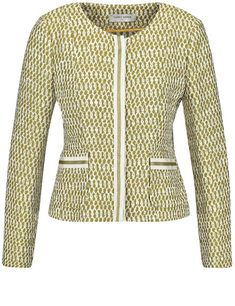 This blazer is sporty when paired with trousers or elegant with a skirt: you will feel the positive effect.