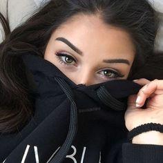 Eyes eyebrows goals, makeup inspo, makeup tips, makeup goals, beauty makeup Love Makeup, Makeup Looks, Hair Makeup, Makeup Haul, Pink Makeup, Perfect Makeup, Makeup Eyes, Girl Hiding Face, Girl Face