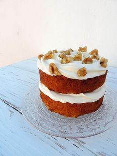 Pasteles, tartas y otros postres actuales desde $22.40 (aprox. 20€, consultar en la página web: www.mrandmrsweet.com) #catering #carrotcake #redvelvet #banoffeepie #pies #frosting #buttercream #ganache #chocolate #vainilla #layercakes #nakedcakes #sweet #dulce #events #food #handmade #foodie #sweetbarcelona #foodgram #bakery #foodiebcn #barcelonacake #postres #mrandmrsweet