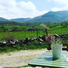 ...y seguimos con sol en Piornedo!  #ancares #piornedo #primavera #sol #montaña #relax #naturaleza #aventura #paisaje #galicia #galiciacalidade #galiciamola #escapada #trekking #landscape #nature #mountain #adventure #spring #spain by hotelpiornedo