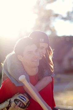 A Midwestern Touch: Wedding Friday? {Engagement Pictures} Like this. Baseball Couples, Cute Couples, Baseball Boys, Baseball Girlfriend, Baseball Cap, Cute Baseball Players, Baseball Tickets, Teen Couples, Baseball Season