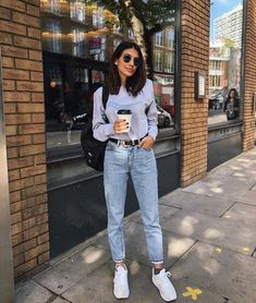 53 Amazing Womens Street Fashion Trends Ideas 2018 Womens street style trends offers you the opportunity to create wonderful outfits for any event in A shirtdress in […] Trendy Outfits, Cute Outfits, Fashion Outfits, Fashion Tips, Fashion Trends, Fashion 2018, Fashion Ideas, Outfits With Mom Jeans, Fashion Clothes