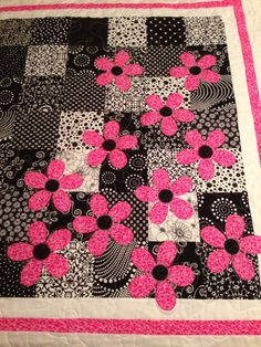 Bright little girls quilt! By Michelle Thompson quilted by Cathy Banker for sweet giulianna !