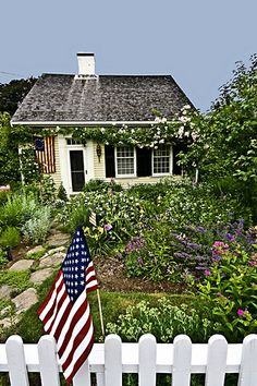 for the love of cape cod, cute little cottage