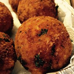 Place your orders for this weekend! #arancini #riceballs #traditional AND #nonTraditional #homemade #handmade #freshtoOrder #madeWithLove #queens #statenisland #foodie #foodporn #goodeats #nom #italianfood #delicious #truffles #leahsitalianapples #sicilian #deepfried #goldenbrown #notyourNonnas #reinventingRiceballs #supportLocalBusiness #followyourdream #cheesy #eeeeeats #catering #foodilysm #fuckthatsDelicious