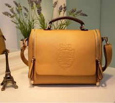 Fashion Style, Perfect Design, Fine Detail, Show The Unique Personality. 1 X Handbags