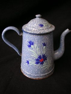 Rare CAFETIERE EMAILLEE coul. BLEU FLEUR BLEUETS EN RELIEF ENAMELWARE COFFEE POT. 45.