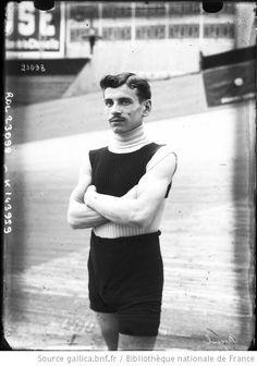 Miquel [portrait du coureur cycliste] : [photographie de presse] / [Agence Rol] - 1