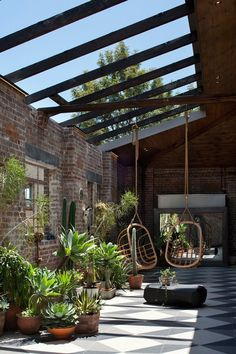 bkgengagement… Inner city Sydney warehouse by Allen Jack+Cottier www.bkgengagement… Inner city Sydney warehouse by Allen Jack+Cottier Large Backyard Landscaping, Backyard Patio, Landscaping Ideas, Backyard Ideas, Patio Ideas, Southern Landscaping, Florida Landscaping, Sloped Backyard, Backyard Greenhouse