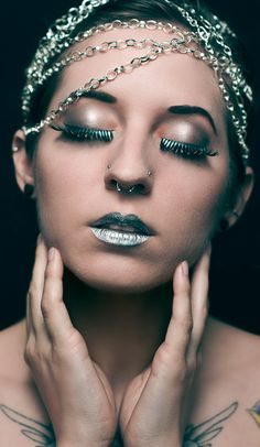 Thinking of getting my other nostril done this week! gorgeous makeup and double nose rings. ♥