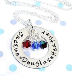 Mommy necklace.... I like and want!