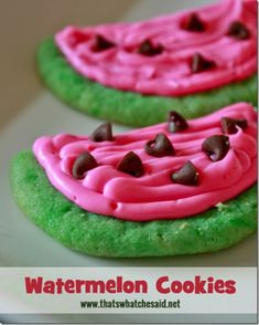 How cute are these watermelon Cookies?  Great idea for a Summer party!