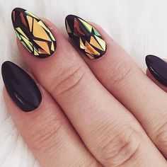 Shattered Glass Effect - Cool-Girl Chrome Nail Inspo - Photos