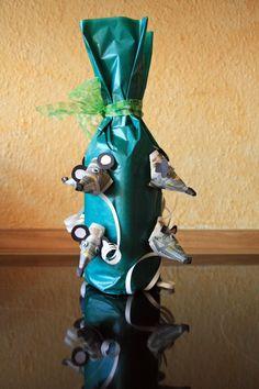 Geldgeschenke zum Geburtstag – Flaschen Geschenk. Geldgeschenke selber machen - Money Gifts. Money Mous - Geld Maus. Packt eine Flasche in Geschenkpapier ein und gestaltet die Geldscheine als Mäuse Köpfe außen rum. Frantasiaaa Bastelblog