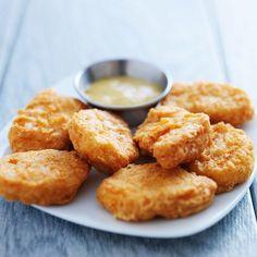 Fokhagymás csirkefalatok ropogós bundában - Remek variáció rántott húsra - Recept | Femina