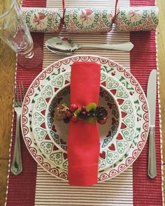 Joy French Bowl, Joy 8.5 inch Plate and Joy 10.5 inch Plate (Christmas 2012) Discontinued