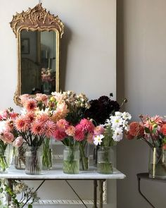 From Instagram Images of Inspiration : The September Chronicles { Interior Design & Instagram Like} | Cool Chic Style Fashion Floral Bouquets, Floral Wreath, Interior Design Instagram, Antique Interior, Flower Centerpieces, Site Design, Invitations, Invite, Floral Arrangements