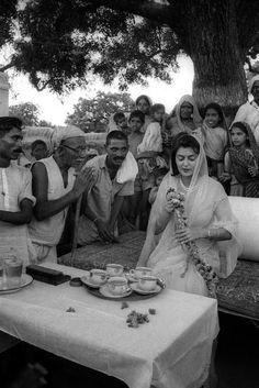 Baking Soda Baking Powder, Baking Soda For Hair, Baking Soda Vinegar, Baking Soda Shampoo, Baking Soda Uses, Cider Vinegar, Maharani Gayatri Devi, History Of India, History Photos