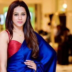 Shimalka Bodaragama Saree Blouse Patterns, Saree Blouse Designs, Indian Attire, Indian Wear, Sexy Blouse, Sleeveless Blouse, Saree Color Combinations, Saree Jackets, House Of Blouse