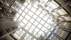 2010年年底推出,天使大廈(Angel Building)是倫敦最大的重建案。有優雅和強大的現代設計的細節。天使大樓入圍RIBA斯特林大獎2011年贏得了RIBA倫敦辦公室英國文化委員會和新倫敦建築獎。 影片搜集:聖工坊建築動畫製作群Sun Arts & Production