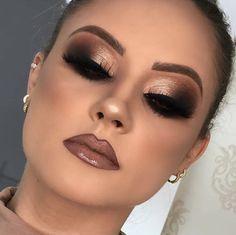 Curso de Maquiagem Andréia Venturini - Curso Maquiagem na We.- Curso de Maquiagem Andréia Venturini – Curso Maquiagem na Web - Prom Makeup Looks, Glam Makeup Look, Gorgeous Makeup, Pretty Makeup, Amazing Makeup, Gold Makeup Looks, Makeup Style, Prom Makup, New Year's Makeup