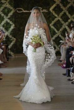 OSCAR DE LA RENTA 2013 love | http://best-amazing-wedding-dress-photos.blogspot.com