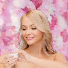 Getönte Tagescreme selber machen - pflegt und ist für alle Hauttypen geeignet. www.ihr-wellness-magazin.de